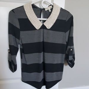 Cute Top with pearl detail